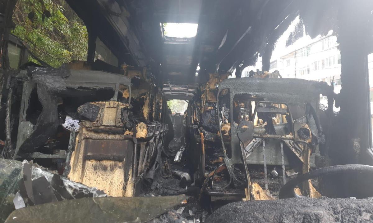 autocar incendiu azuga2