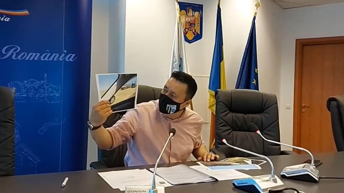 Andrei Volosevici critică Prefectura şi Garda de Mediu pentru mizeria din Ploieşti: