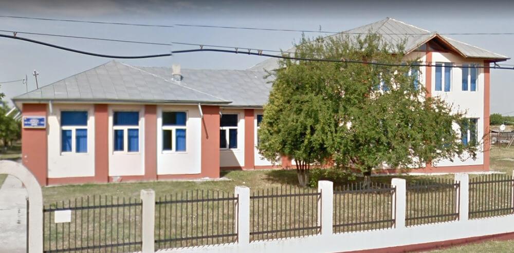 Echipamente IT de peste 850.000 de lei, pentru dotarea școlilor din Râfov