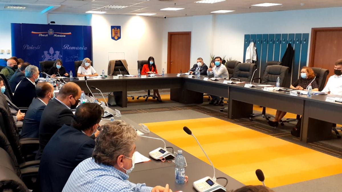 Consiliul Local Ploieşti a aprobat începerea procedurii de reziliere a contractelor cu Rosal
