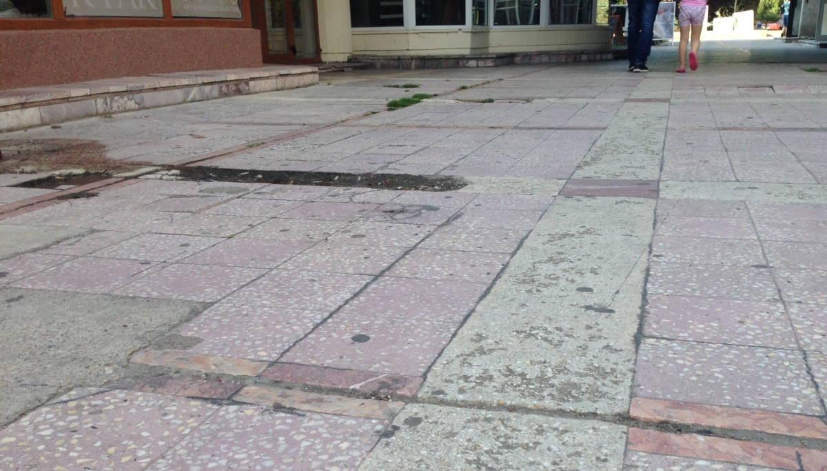 Achiziţii directe, la Primăria Ploieşti, pentru modernizarea pavajului de la Galerii şi refacerea unor podeţe