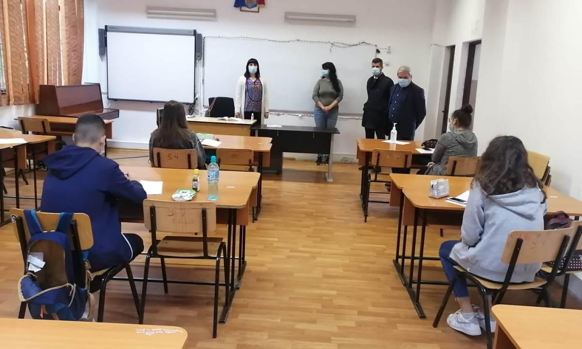 Încă șase comune din Prahova reiau cursurile față în față cu toți elevii. Ore on-line pentru copiii de gimnaziu din Tătaru