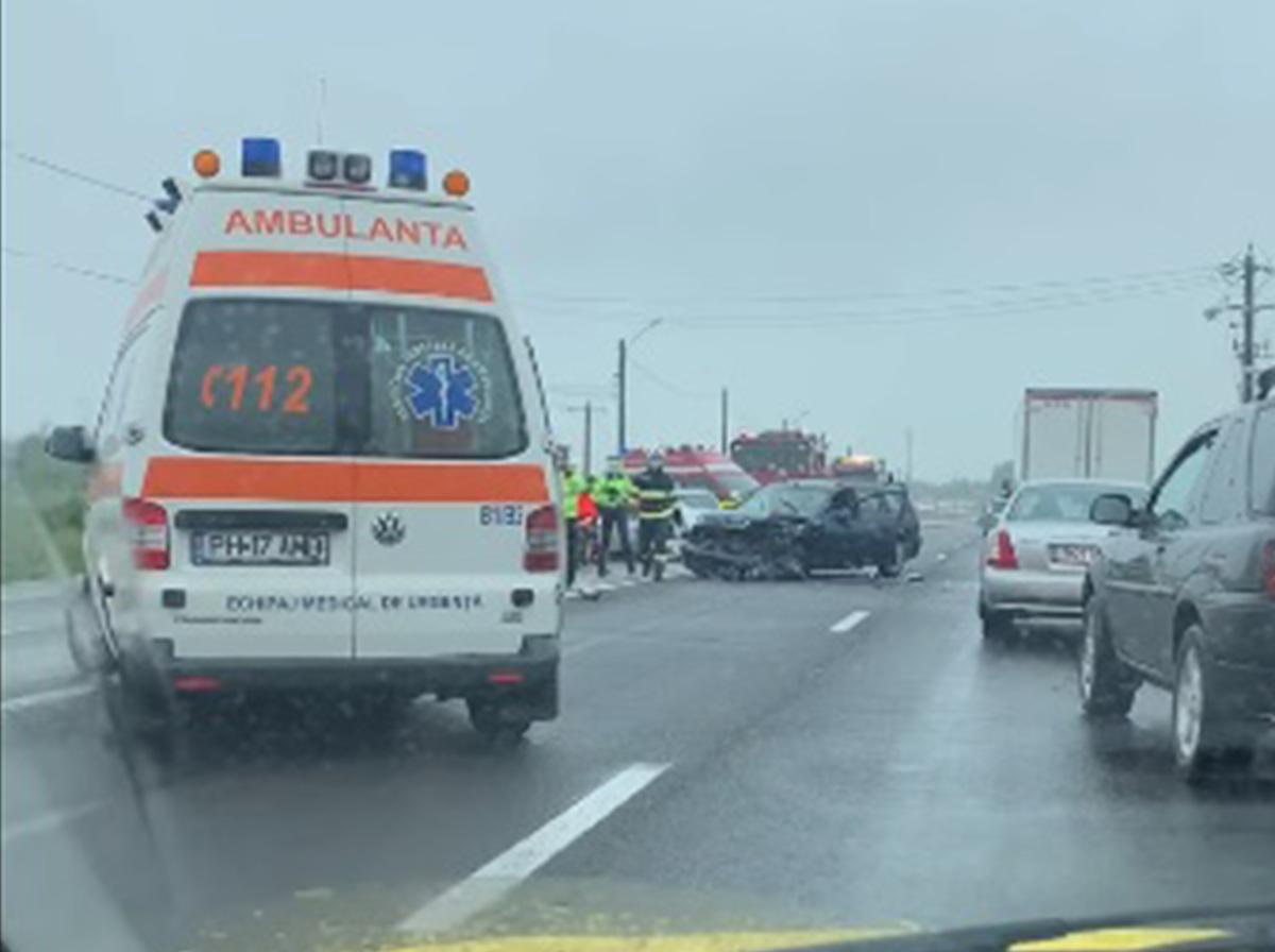Accident cu victime, pe DN 1, la Florești. Două persoane, inclusiv un șofer de 86 de ani, au ajuns la spital (video)