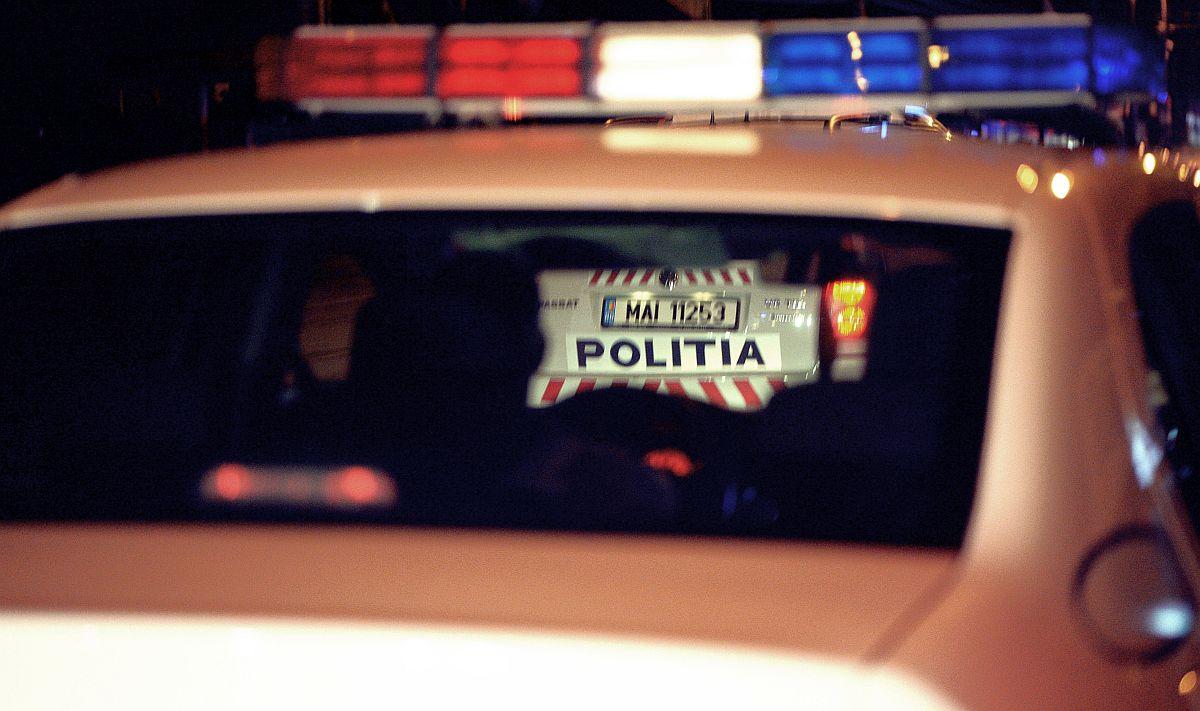 Un individ care pretindea că e polițist DIICOT a fost prins în flagrant când cerea bani. A fost arestat preventiv
