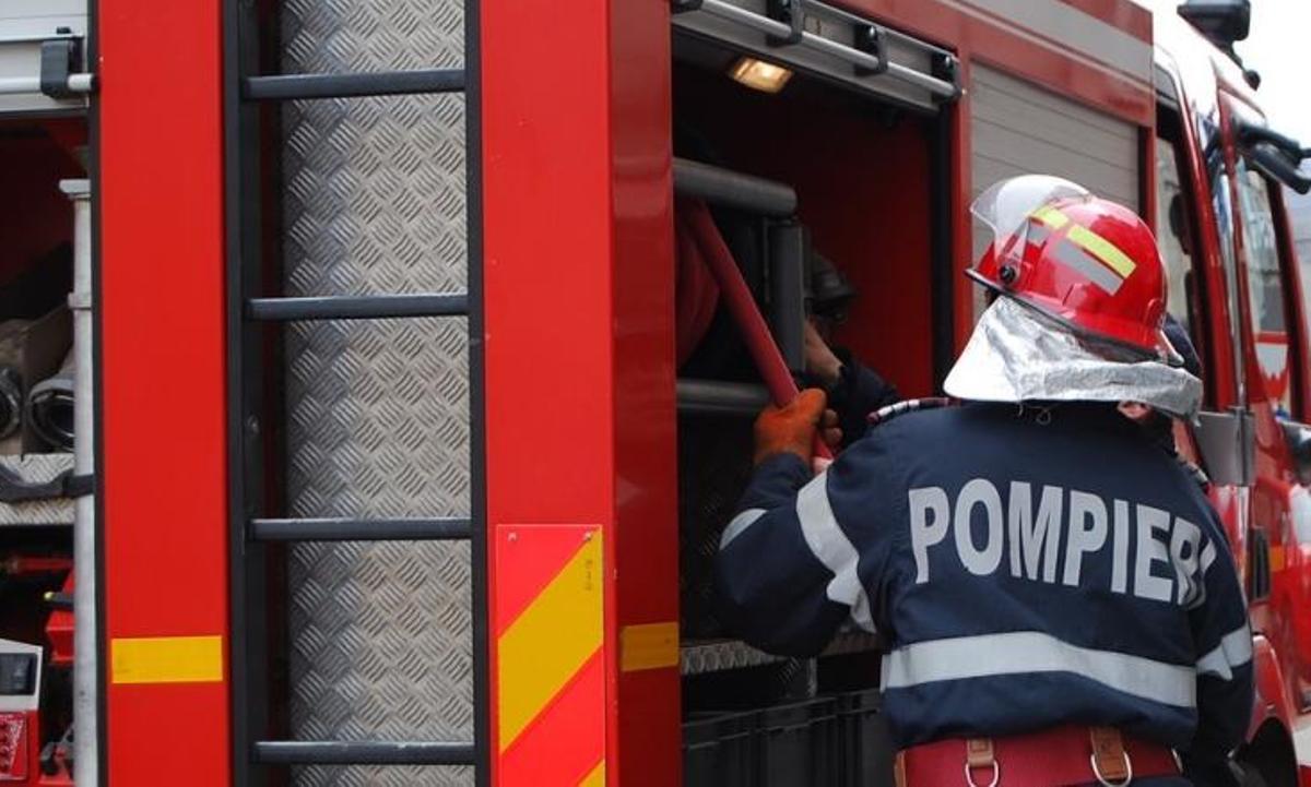 Sursă radioactivă descoperită la fosta rafinărie Astra, din Ploiești. Intervine unitatea specială ISU, de la Ciolpani