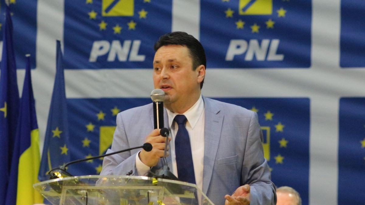 Andrei Volosevici şi-a depus candidatura pentru preşedinţia PNL Ploieşti