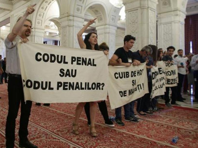 protest parlament iunie